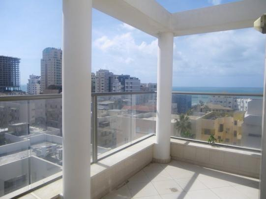beach-apartment-in-tel-aviv