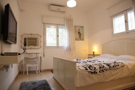 First Time In Tel Aviv,and Really Good Location Apartment,close To Tel Aviv  Beach And Ben Yehuda Street,also The Great Dizengoff Center!